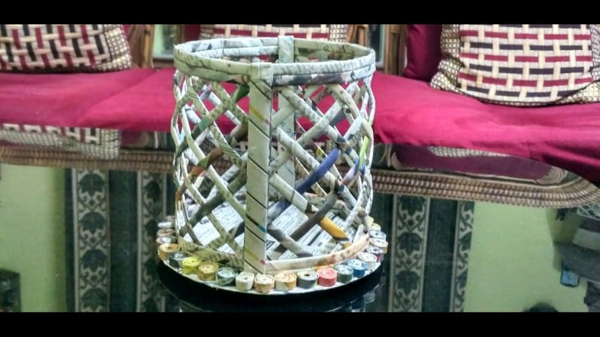 Handicraft Newspaper Basket : How to make a newspaper basket simple craft ideas