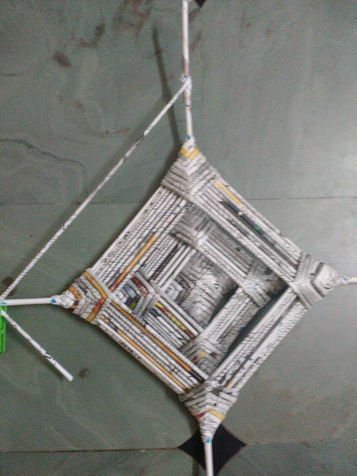 How To Make Wall Hanging From Newspaper Roll Simple
