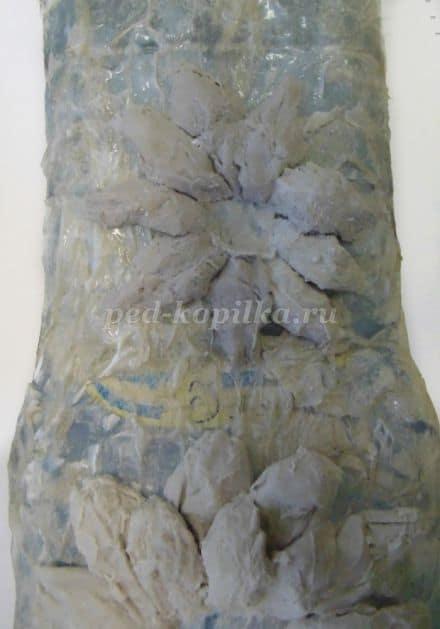 vase with stucco decoration
