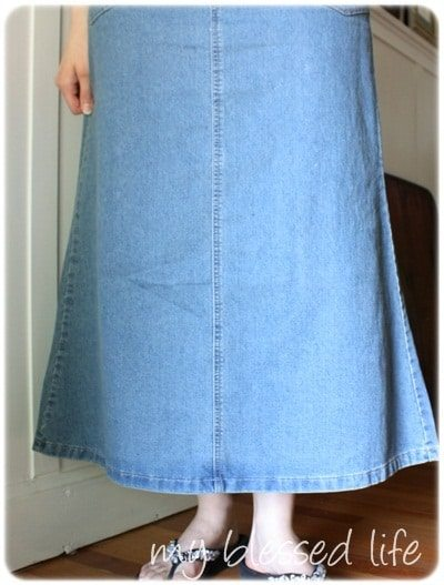 ruffled denim skirt